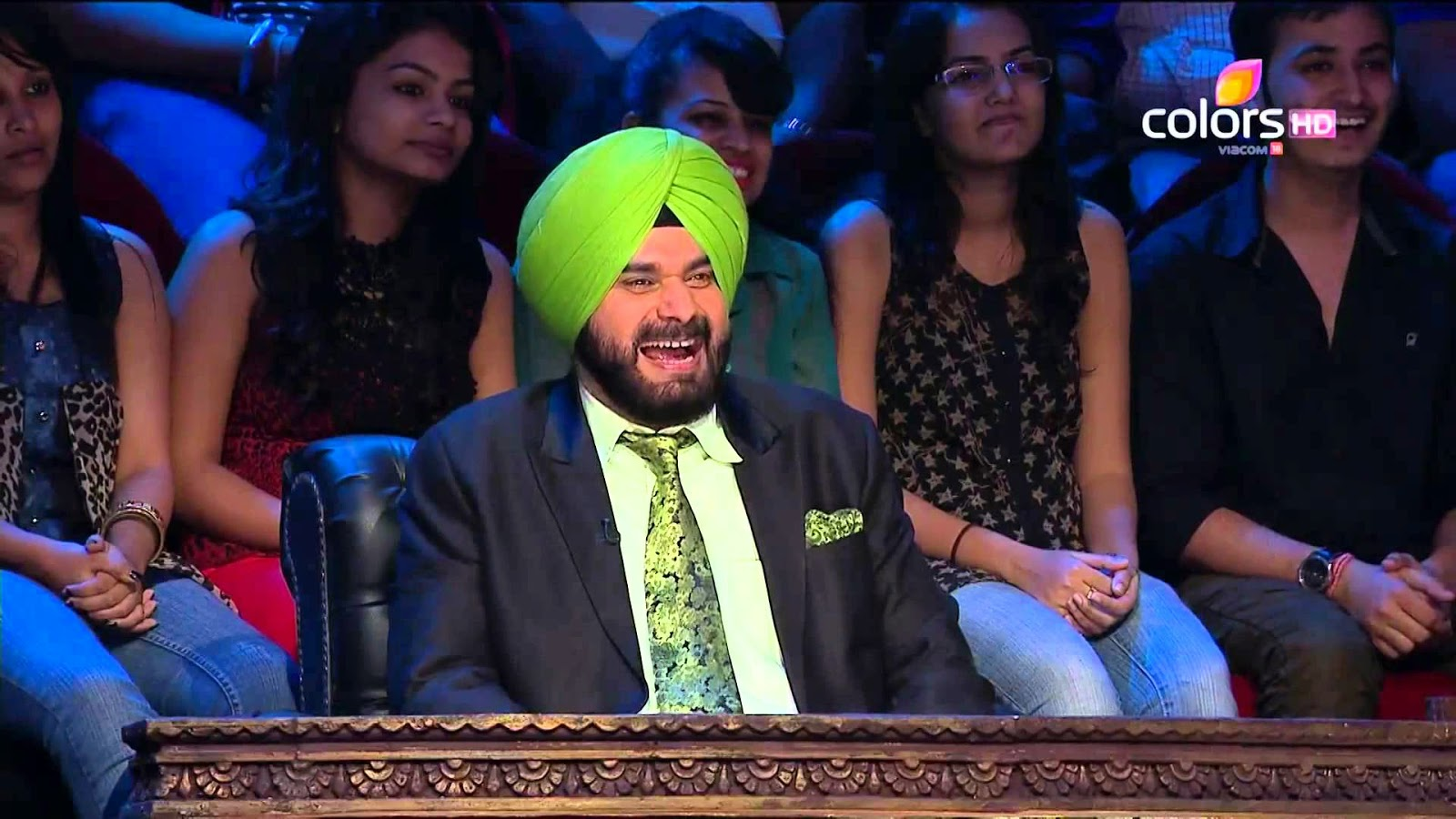 Navjot Sidhu in comedy nights with kapil Colors Channel HD Wallpaper photos get free download