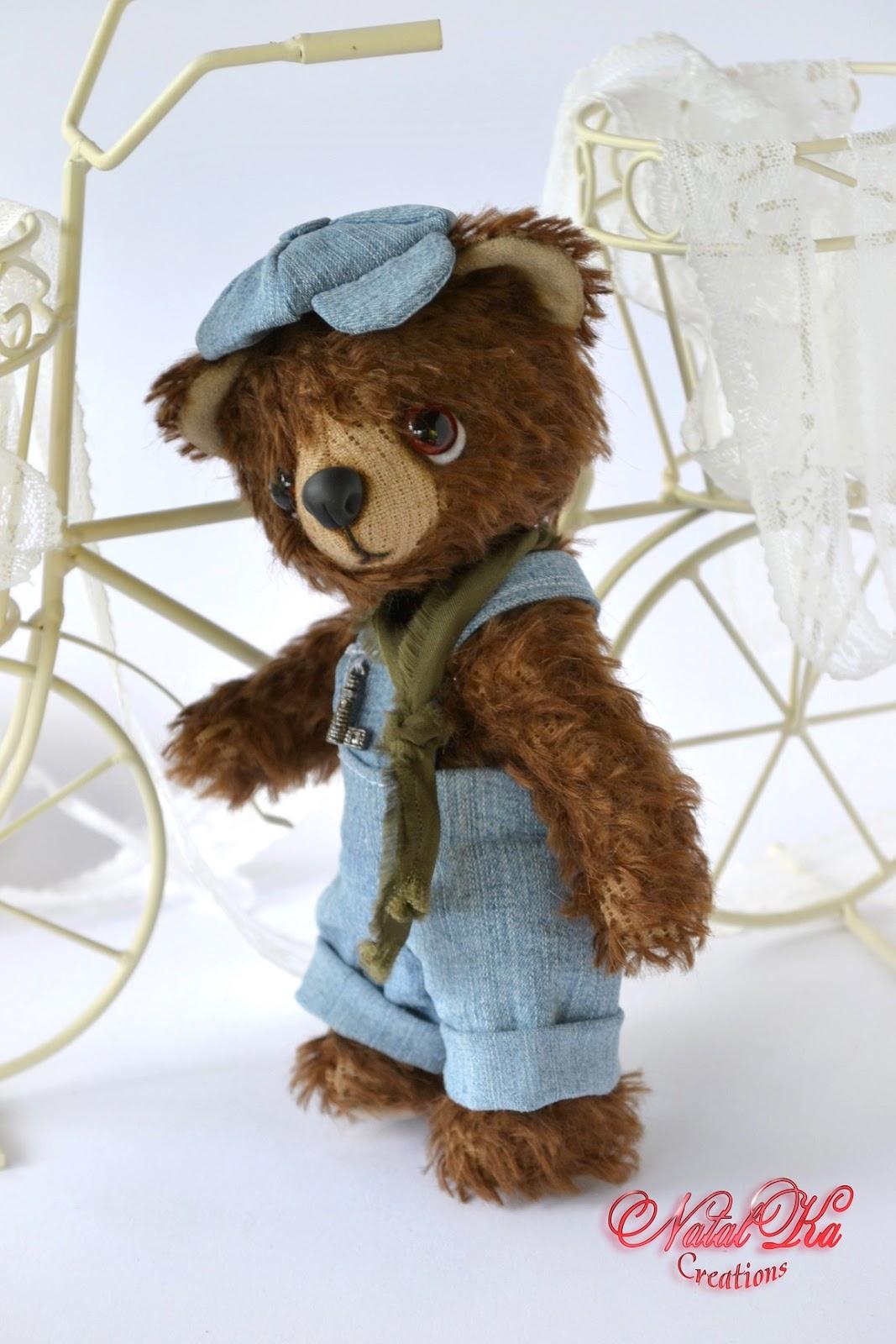 Künstlerteddybär handgemacht von NatalKa Creations. Artist teddy bear handmade by Natalka Creations