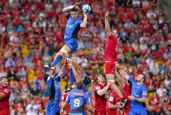 Для австралийских регбистов играть в воздухе — как раз плюнуть.