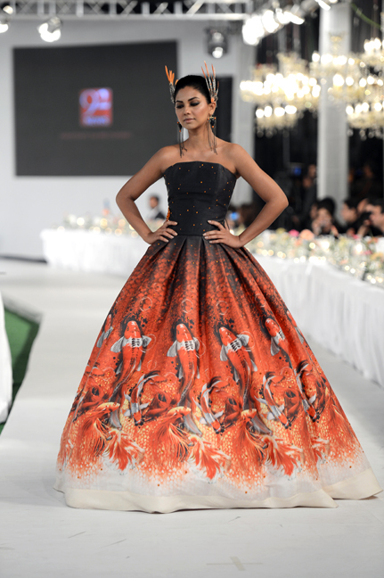 Swarovski, Magical dresses, Nomi Ansari, Saira Shakira, Libas, Karma, Fahad Hussayn, Pakistan Couture, Swarovski Couturier Weekend, Desi Couture, Colorful Couture, Crystal Couture, Haute Couture, Red Alice Rao, redalicerao, fashion blog, best fashion blog