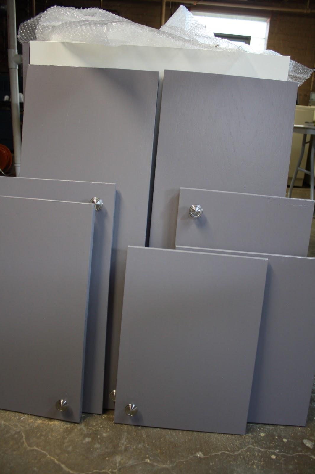Decorative Glaze Rustoleum Honeymoon Bungalow Rustoleum Cabinet Transformations In Progress