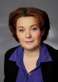 Helga König in Gespräch mit Claudia Steinberger, Geschäftsführerin der Kosmetikfirma Malu Wilz