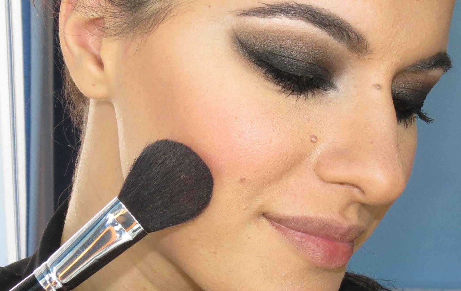 Make up by Rita Lopes: Tutorial de Maquilhagem: Selena Gomez \