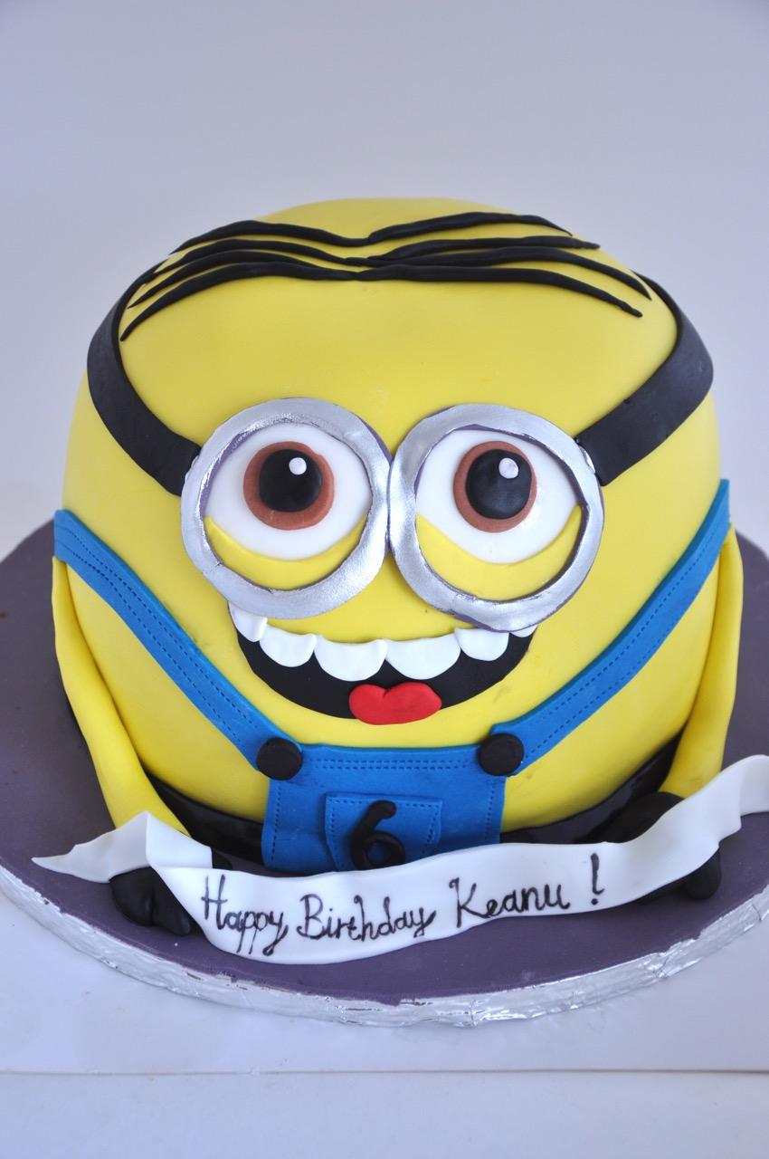 Rozannes Cakes Large Minion Cake