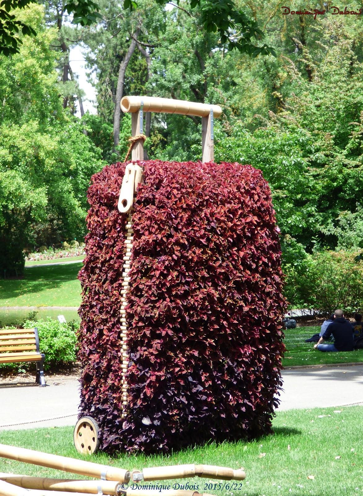 Le poussin de claude ponti jardin des plantes nantes le for Swing jardin nantes 2015