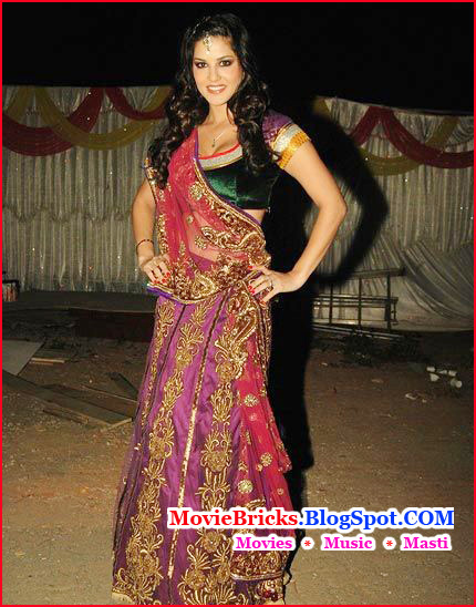 decording choli in bollywood style, madhuri dixit in choli, sunny leone in indian dress, sunny leone in choli, katrina kaif in choli, kareena kapoor in choli, vidya balan in choli, katrina kaif, kareena kapoor, vidya balan, madhuri dixit, indian dress, madhuri dixit in khalnayak