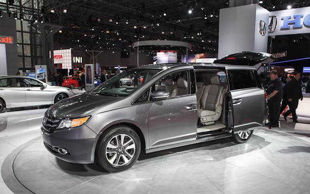 http://1.bp.blogspot.com/-OxMIuJXlZWo/UgjmvxQFKtI/AAAAAAAABqU/3Dn9q-t4oLE/s1600/2014-Honda-Odyssey-front-left-view1.jpg
