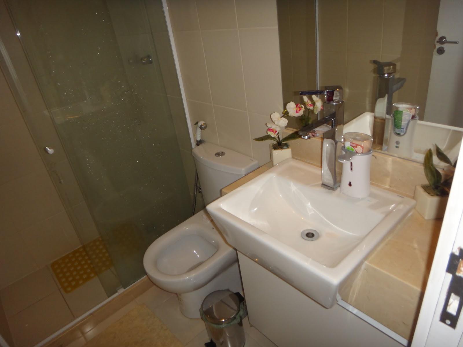 Condomínio Kawai * Freguesia* #5D4B30 1600x1200 Banheiro De Blindex