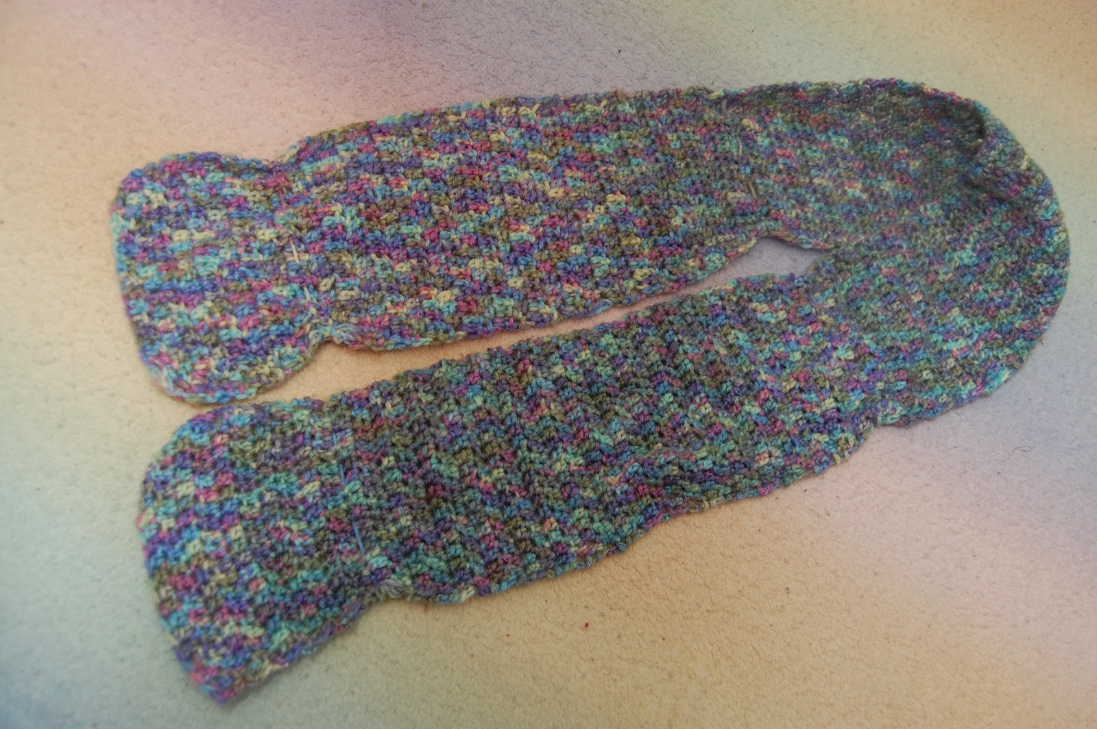 Crochet Uneven Edges : Not so bad, right??? Well...I think so. Im thinking I should cinch it ...