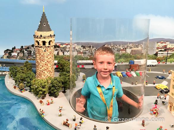 Legoland İstanbul turumuzda Miniland'te oğlum