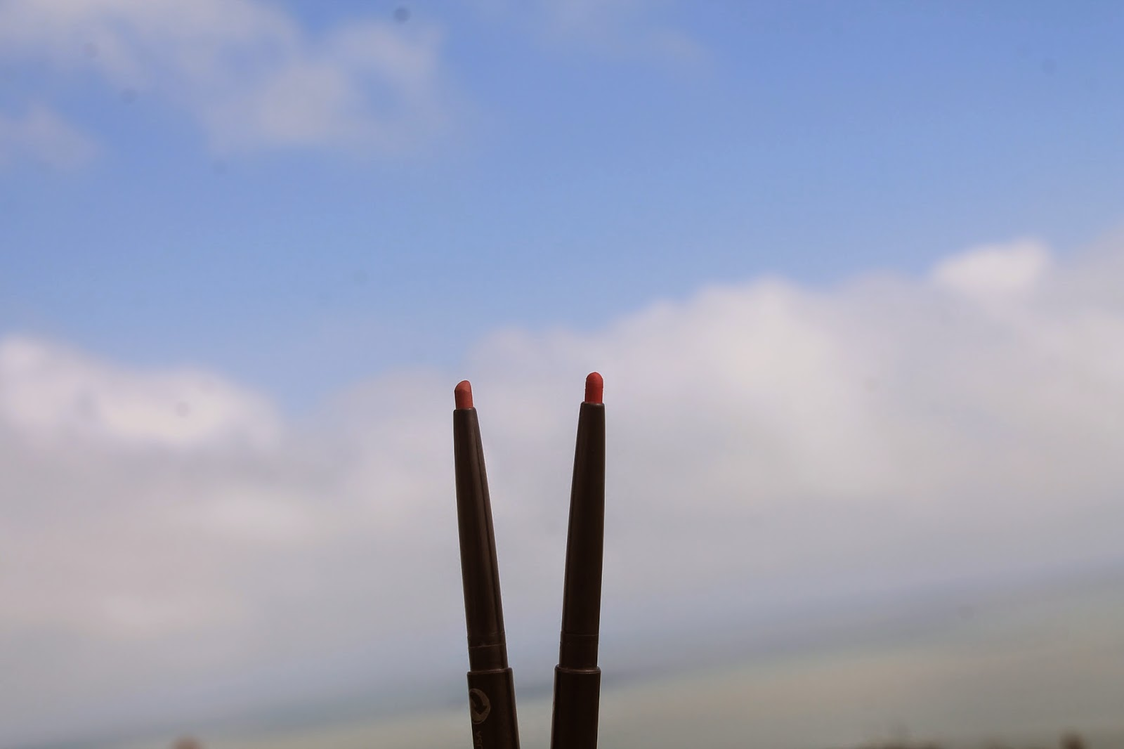 Boots No7 Lip Liners in Fire & Blush - Aspiring Londoner