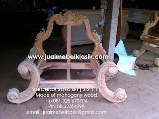 Supplier mebel klasik sofa ukir klasik kursi tamu klasik mahoni mewah dari jepara