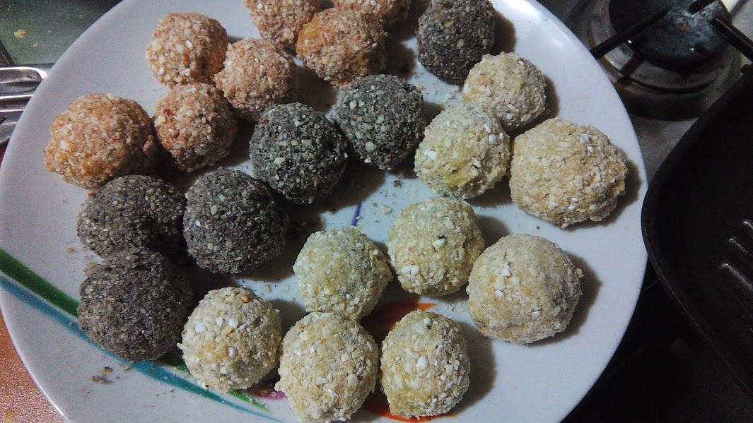 La riccia che pasticcia arancine con besciamella di piselli riso alle alghe e panature - Diversi tipi di permanente riccia ...