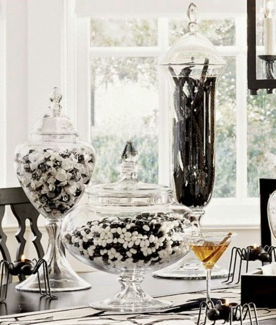 whether its a wreath or your entrywayuse black and white to set the stage for your sophisticated black and white theme