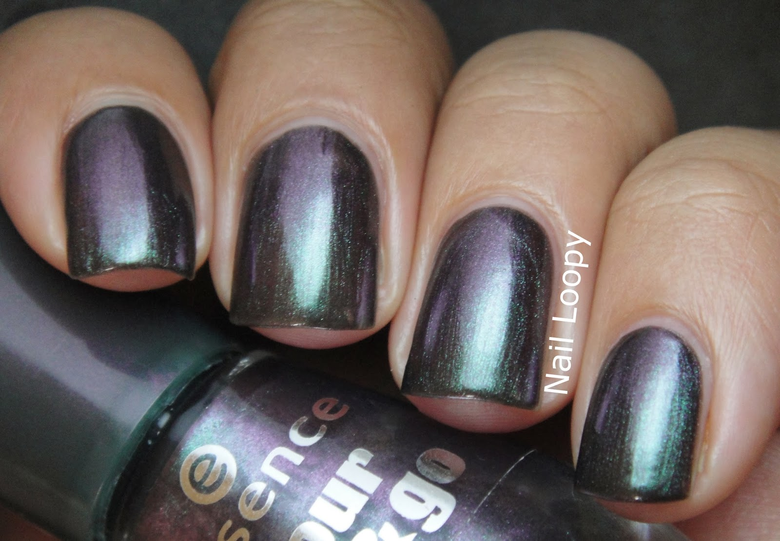 nail loopy: ESSENCE CHIC RELOADED