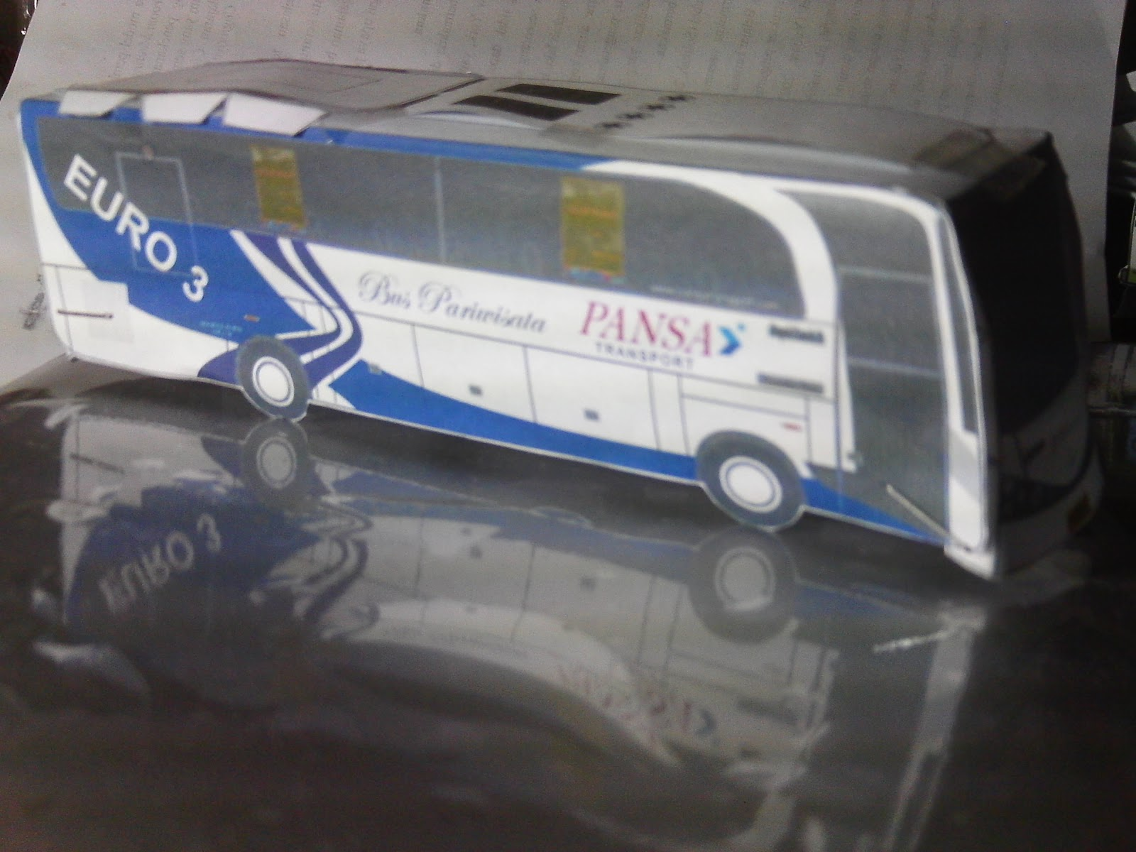 1600 x 1200 · 197 kB · jpeg, Paper craft miniature bus Indonesia