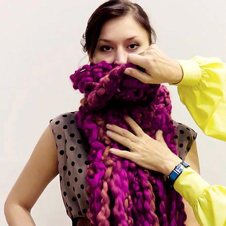 Как да носим плетен шал
