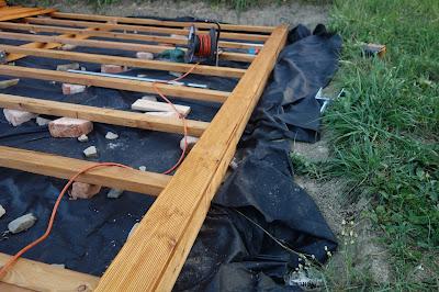 první terasovka položená na terase