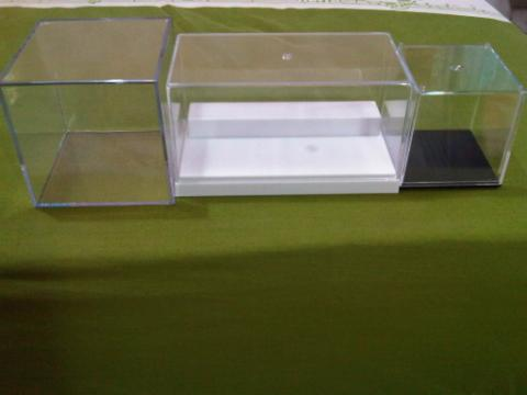 kotak miniatur pajangan