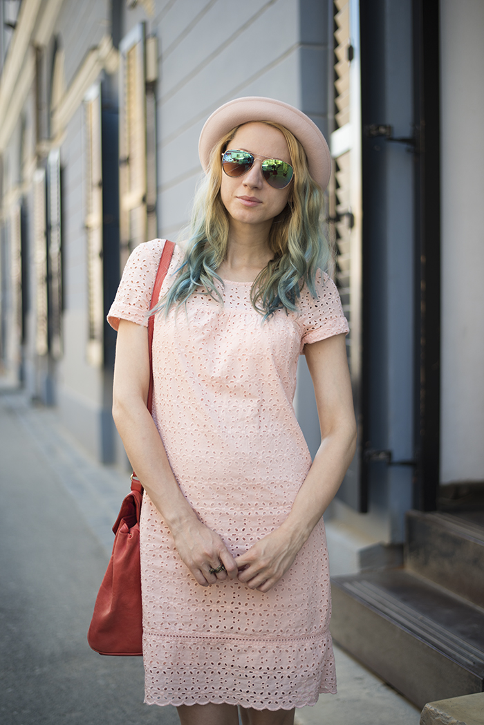 Skinny Buddha pink dress hat