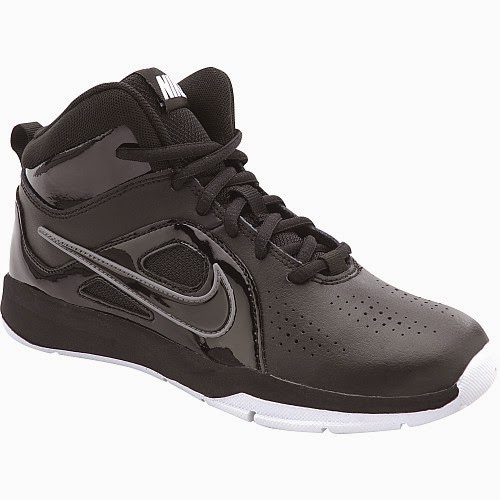 NIKE Boys' Team Hustle D 6 GS Mid Basketball Shoes