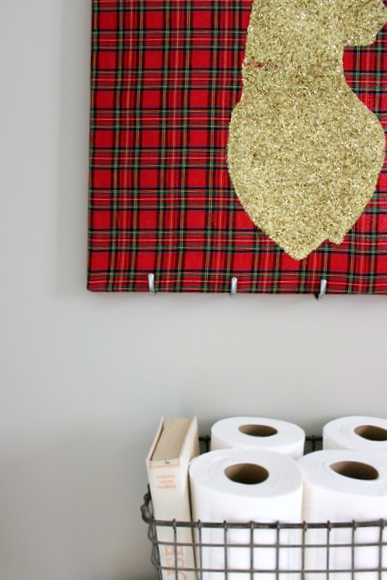 This reindeer wall art is great holiday decor.