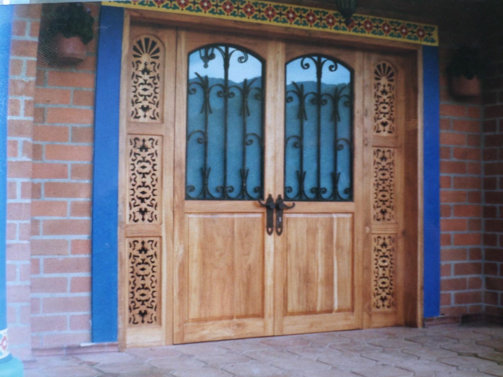 Puertas y cocinas medellin casa campestre en girardota for Puertas para casas rusticas
