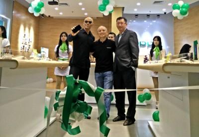 OPPO Store Kini Hadir di Mall Senayan City