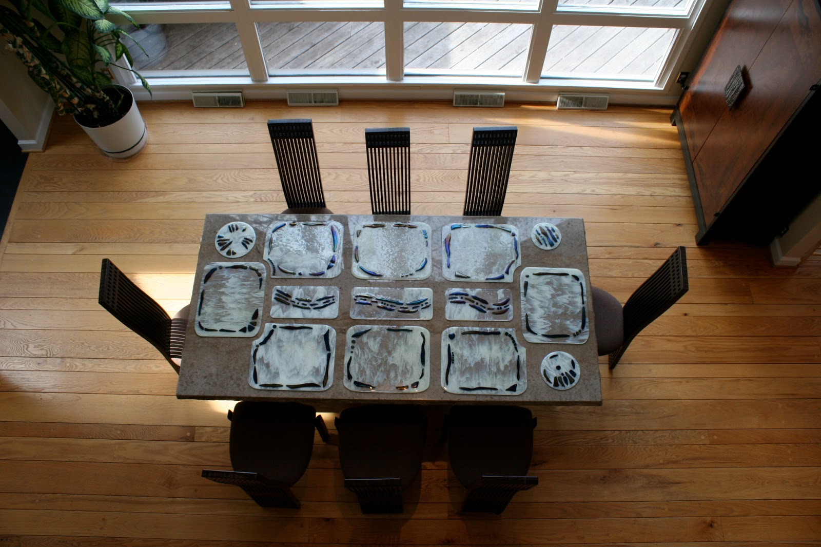 Omega glass fused glass art that 39 s ridiculously cool for Glass table placemats