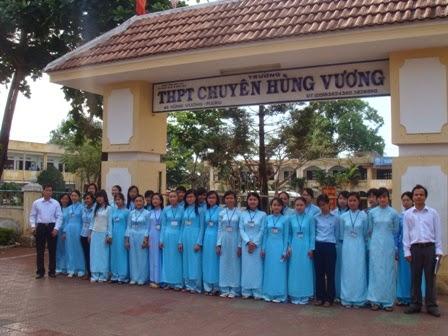 Trường THPT Chuyên Hùng Vương thi tuyển sinh vào lớp 10 năm học 2014-2015