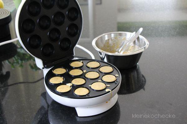 kleine kochecke der cake pop maker test rezept. Black Bedroom Furniture Sets. Home Design Ideas