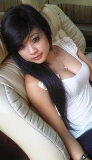 Sales Girl (Penunggu Website)