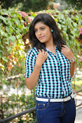 Liza reddy glam pix in jeans-thumbnail-13