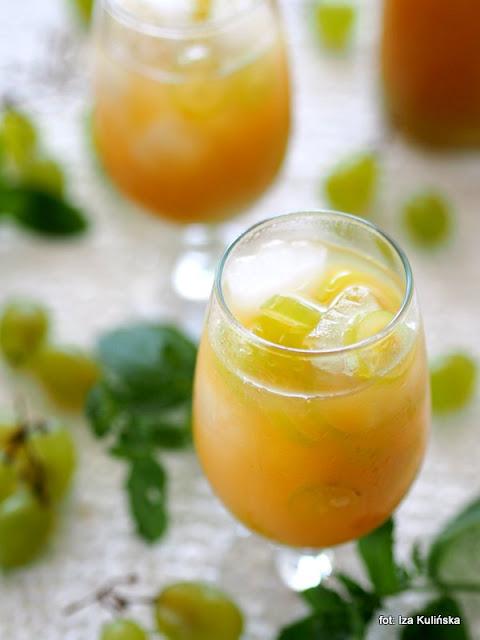napój winogronowy , zielone winogrona , letnie napoje , orzeźwienie , lato , do picia , winogrono , sok winogronowy