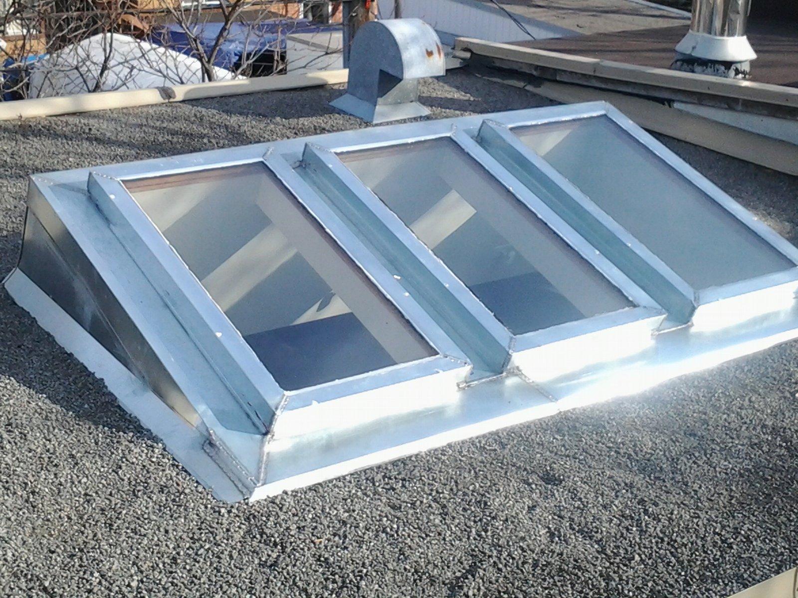 ferblanterie de patrimoine habillage de fenetres de toit en tole galvanis e. Black Bedroom Furniture Sets. Home Design Ideas