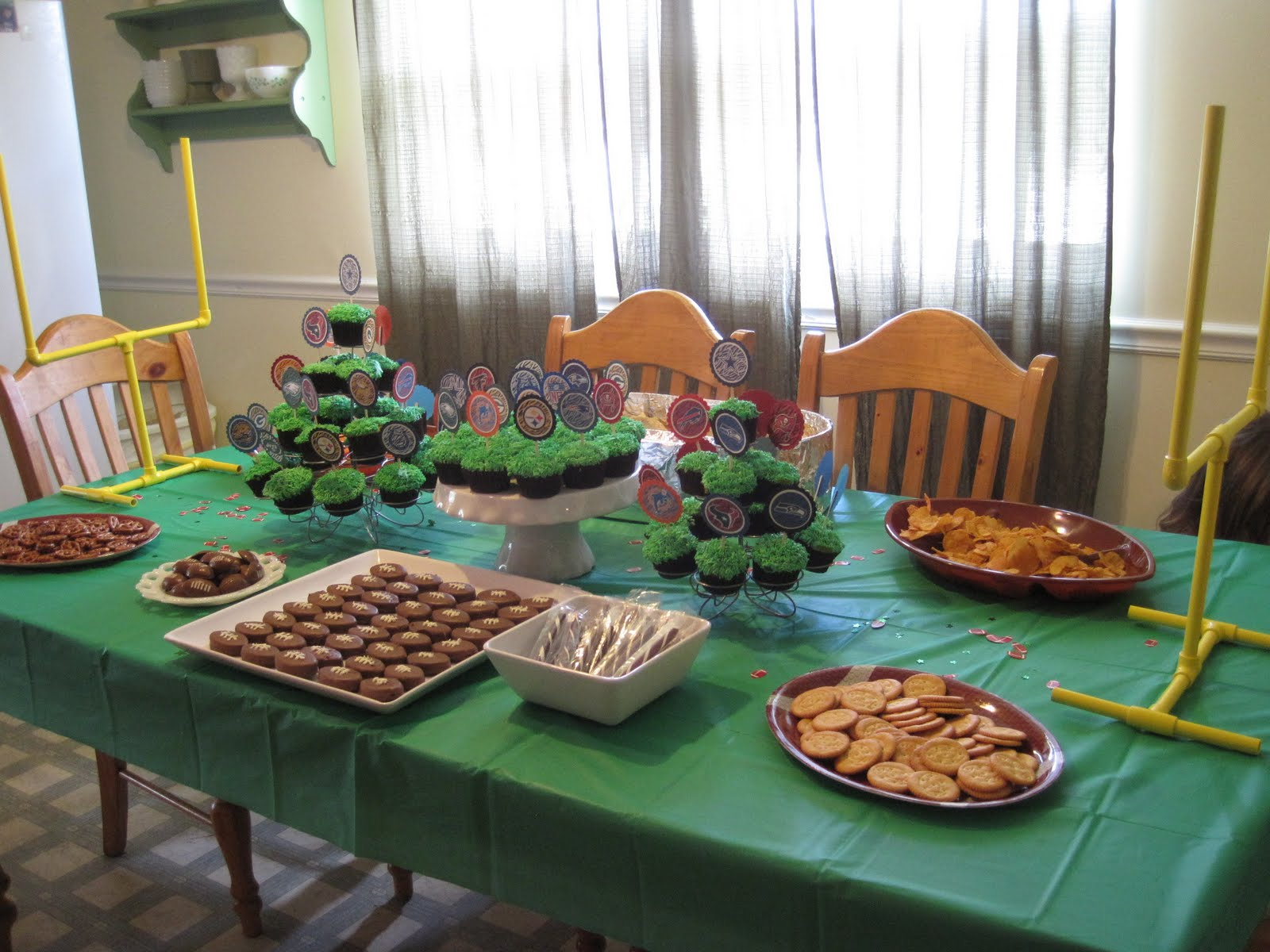 ramblings from the sunshine state: football birthday party - last
