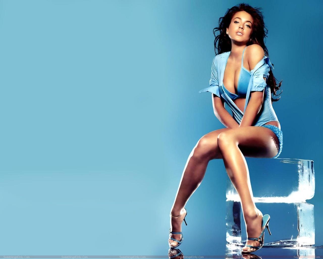 http://1.bp.blogspot.com/-OznS9xTHJWE/TYcCXFuzbiI/AAAAAAAAFvc/w6dz14c6AD8/s1600/lindsay_lohan_hollywood_hot_actress_wallpaper_sweetangelonly_25.jpg