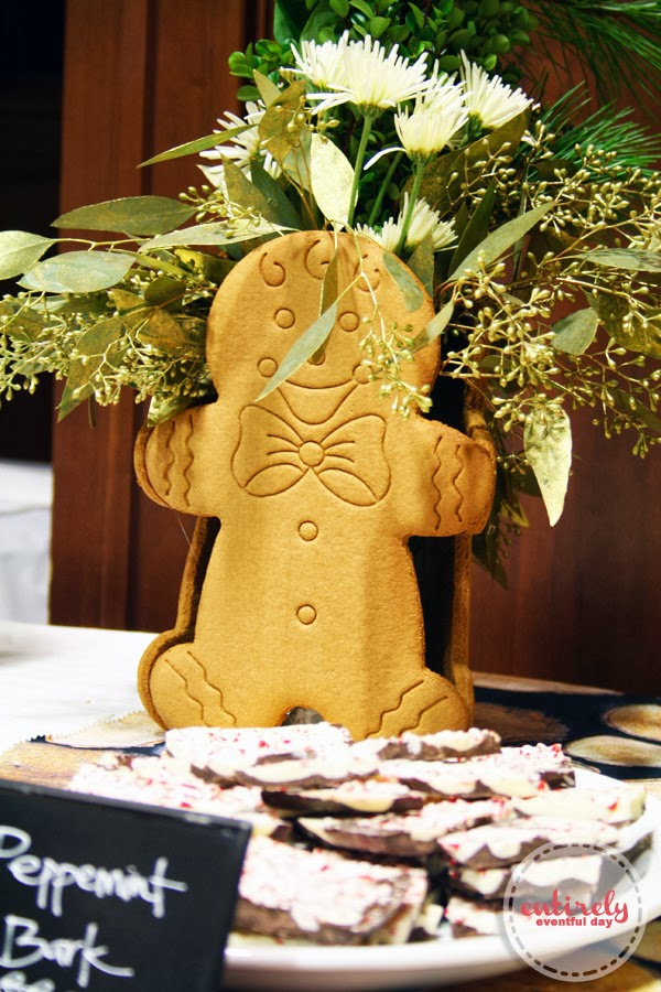 How to make an easy gingerbread man centerpiece for your holiday parties or just for your home. Love this idea so much. So cute and easy. #holiday #centerpiece #party #gingerbread