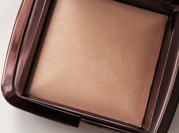 hourglass ambient lighting powder review swatch dim light comparison vs diffused light blog nc30