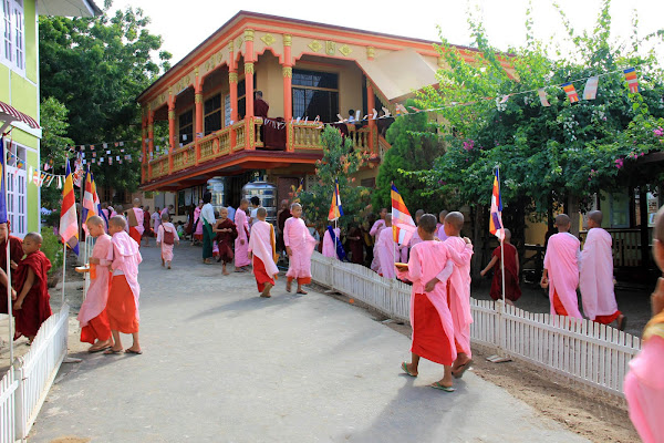 Escuela de monjes de Sagaing (Myanmar)