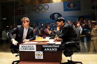 Echecs : Carlsen bute sur Anand