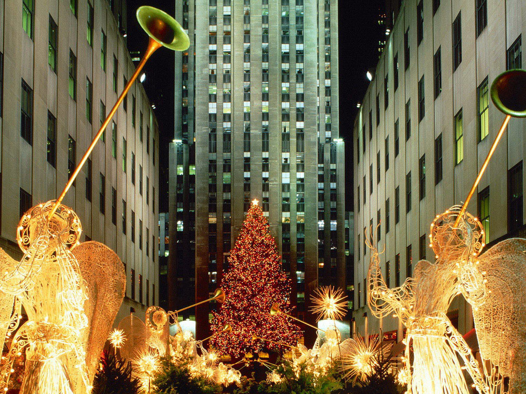 #Christmas #Christmasbackground #Decemberbackground #December.- Christmas tree between buildings