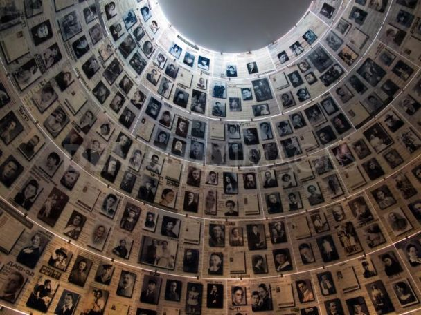 a tour to the past in the holocaust museum The museum does offer free tickets, based on availability, but for this purpose, of our company, offering just the ticket without a combined walking or bus tour, they are not free for us all dc shuttle tickets for the museum are sold as final.