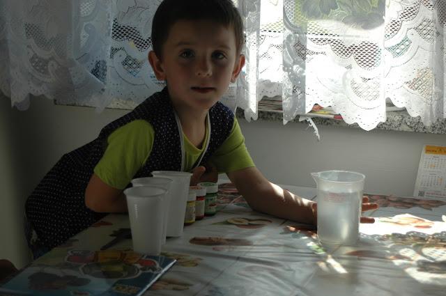 Dziecko na warsztat - kolorami malowane
