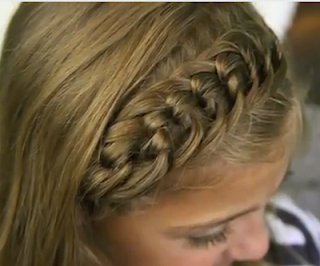 the knotted head band hair style for girls
