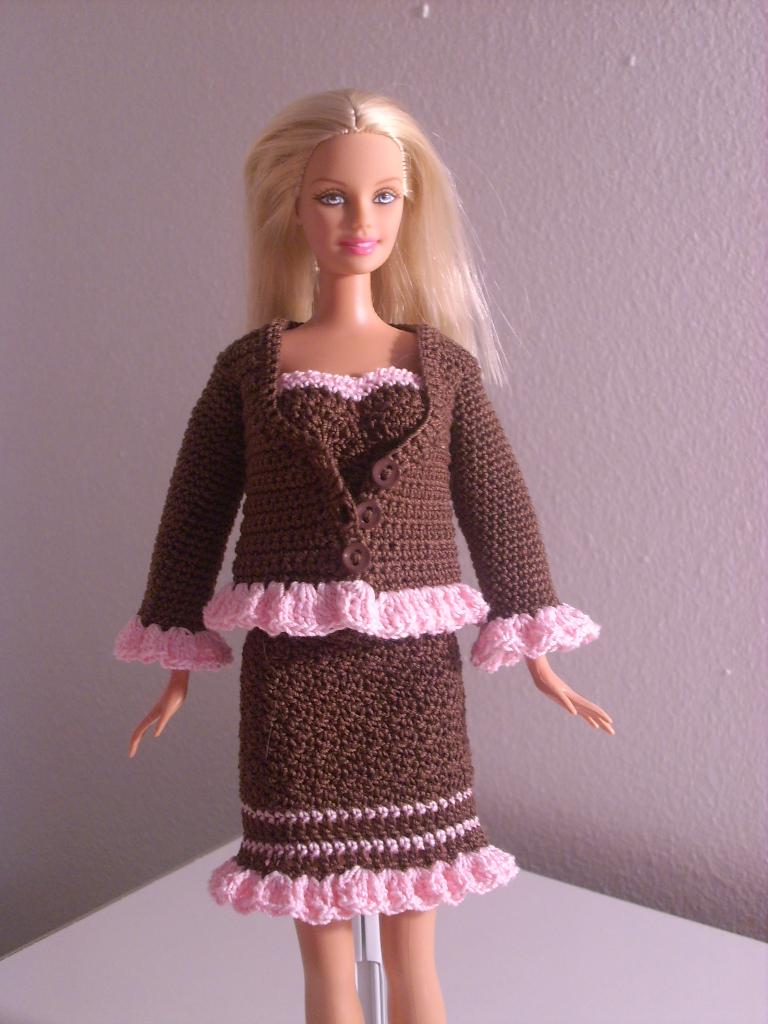 Crochet Barbie : Crochet for Barbie (the belly button body type): Chocolate Jacket with ...