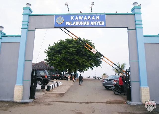 Pulau Paku Anyer journeyofalek.com