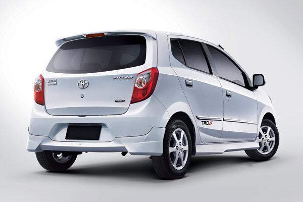 toyota+agya Perbedaan Ayla dan Agya Mobil Murah Terbaru 2012