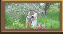 прекрасный белый сад и женщины, живущие в этом саду!