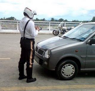 Saman Polis at Kereta Sewa Tawau J3